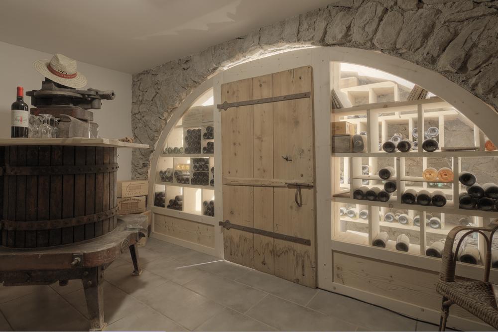 Chalet la clusaz chalet cashmere spirit pour 12 personnes - Isoler une porte de cave ...